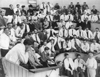 Historical photo of U-M Medical School class