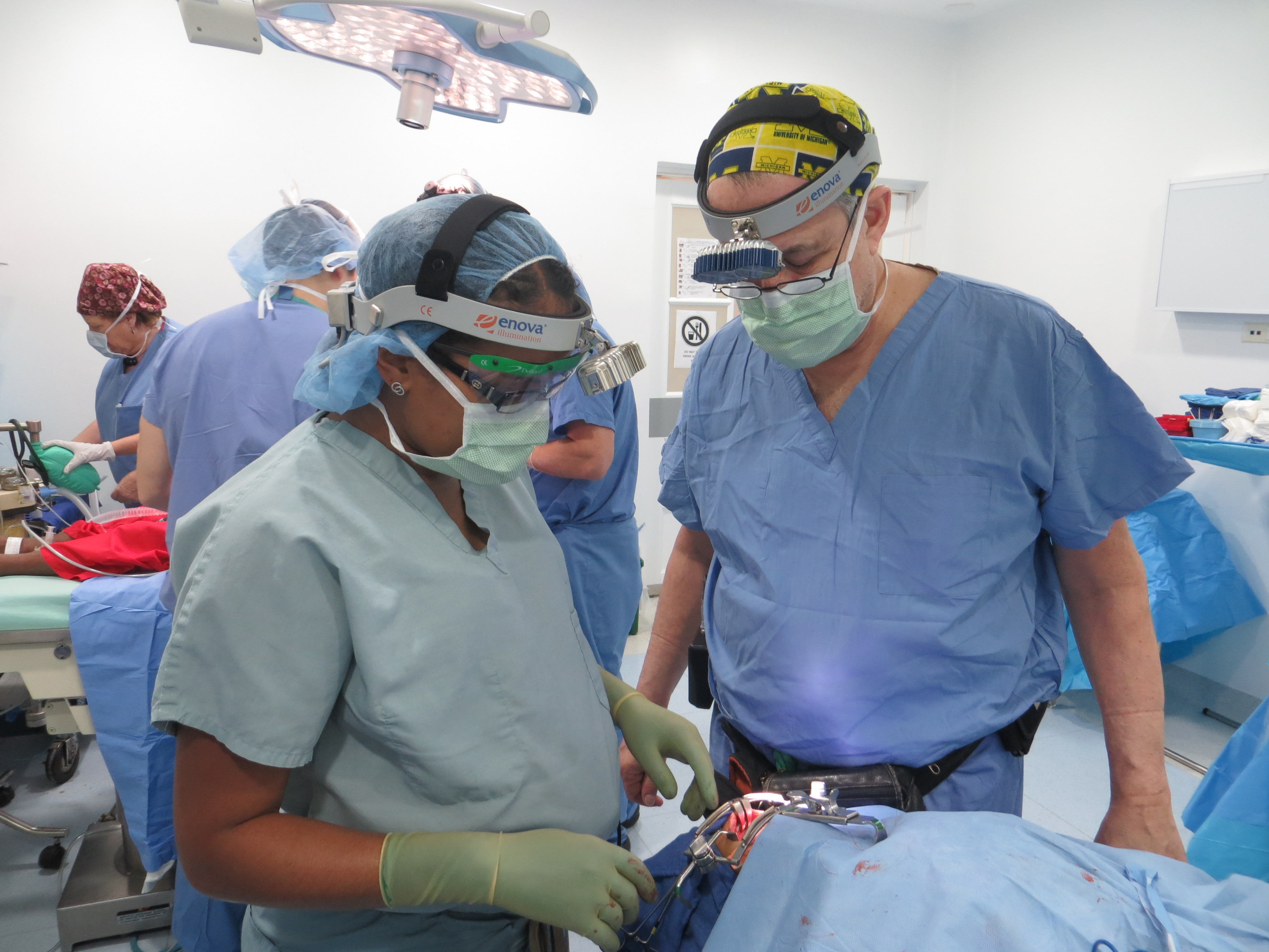 Dr. Sears adn Dr. Gilman in the operating room in Colombia