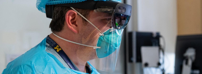Dr. Cohen using HoloLens2 technology