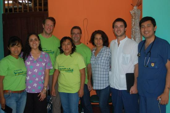Group photo of clinic team in Peru