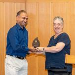 HILS Director presents award to Vydiswaran