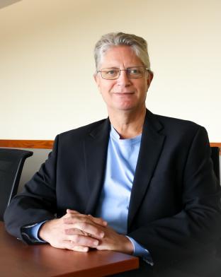 Dr Dan Clauw