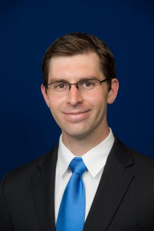 Dr. Adam Lewno