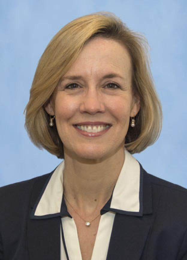 Greta Krapohl headshot