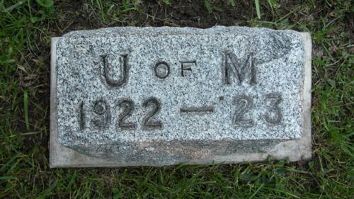 Fairview Cemetery U of M gravestone 1922-23