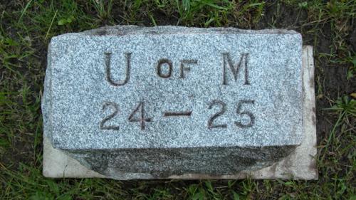 Fairview Cemetery U of M gravestone 1924-25