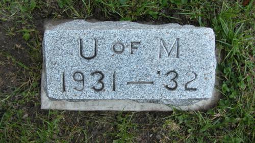 Fairview Cemetery U of M gravestone 1931-32